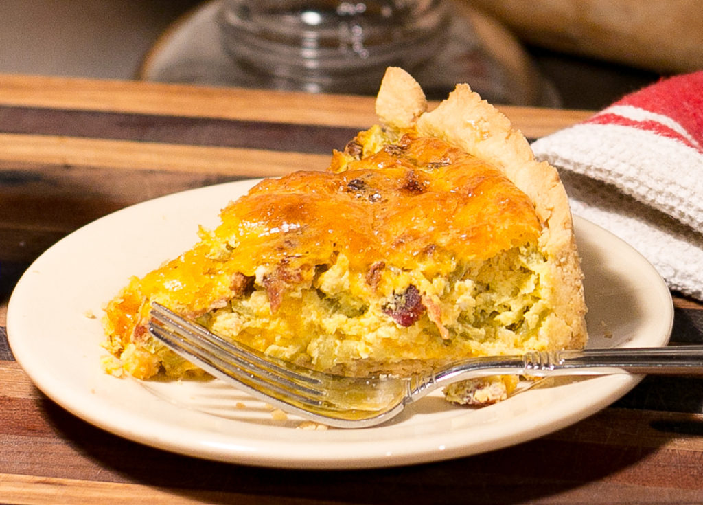 The best green chile bacon quiche aprons and acres for The best quiche ever